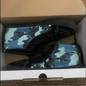 Vans x supreme sk8 hi reissue sky blue camouflage